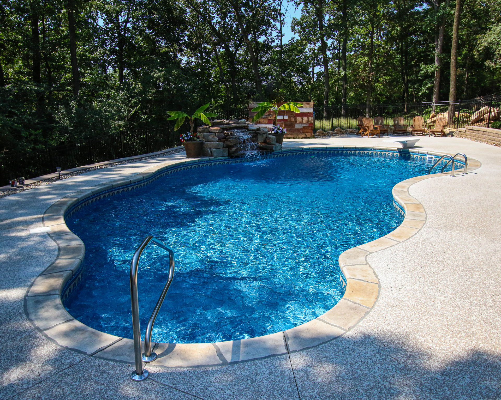 Vinyl Liner Pool with portable spa